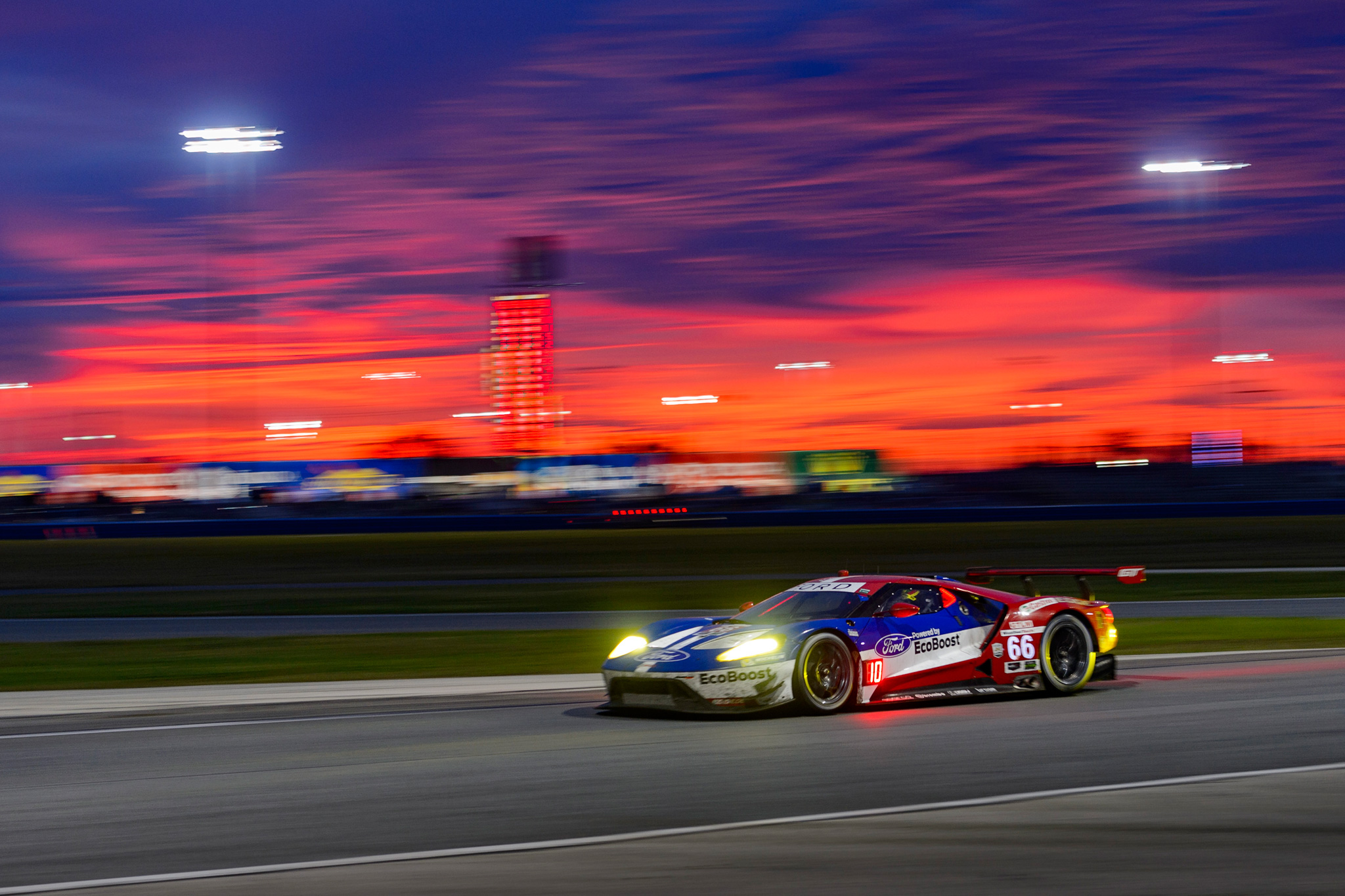 Dirk Müller with the Ford GT premiere in Daytona in 7th place